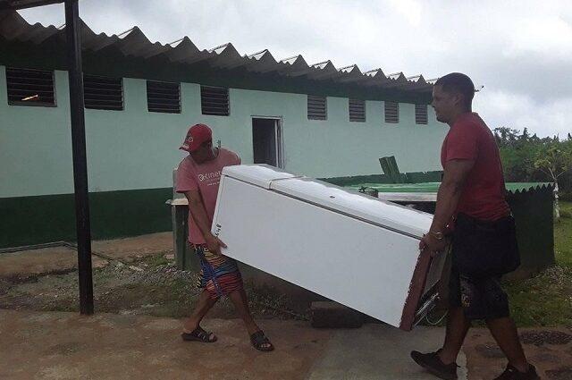 Baracoa y Maisí se preparan ante cercanía de Laura