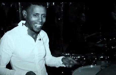 Alberto: músico timbalero en Pupy y los que Son son