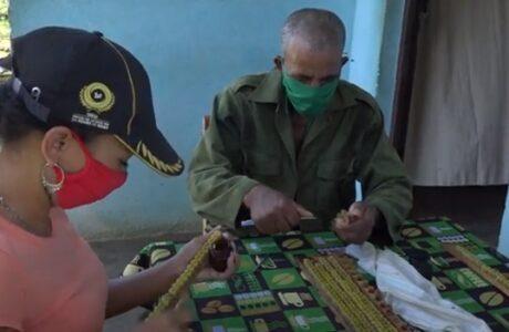 En Baracoa: una familia de miel