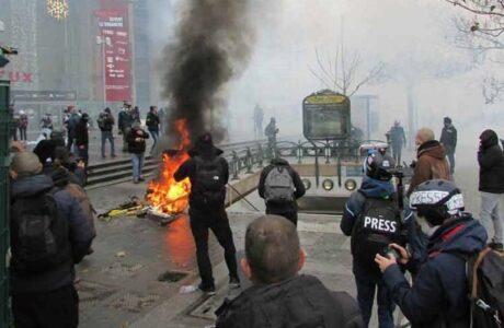 Unesco alerta sobre ataques a periodistas que cubren protestas