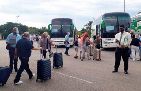 Turistas del Reino Unido disfrutan de Varadero