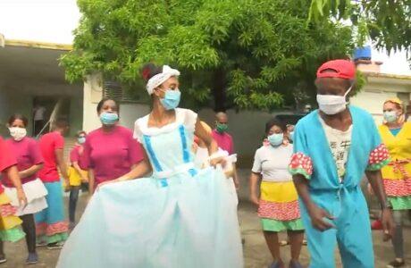 Celebran carnaval terapéutico en Hospital Psiquiátrico de Guantánamo