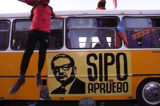 Por amplia mayoría, el SI a nueva Constitución ganó en plebiscito realizado en Chile