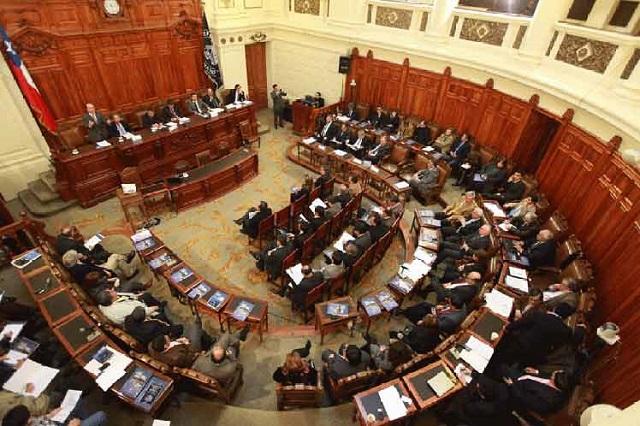 Reforma constitucional tensa relaciones gobierno-legislativo en Chile