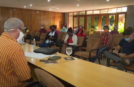 Intercambian especialistas del CITMA con periodistas guantanameros