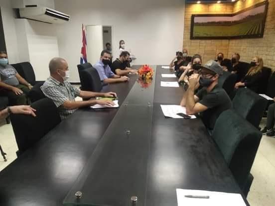 Dialogaron sobre protección animal en Cuba autoridades del Ministerio de la Agricultura y grupos protectores