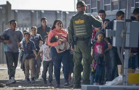 Gobierno de EEUU cambia lenguaje sobre migrantes
