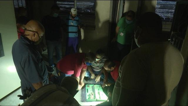 Especialistas guantanameros trabajan en el restablecimiento del fluido eléctrico en el Hospital General Docente de Guantánamo