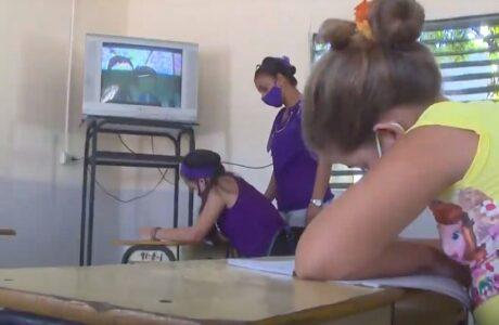 Garantizan en San Antonio del Sur acceso de todos los estudiantes a las teleclases