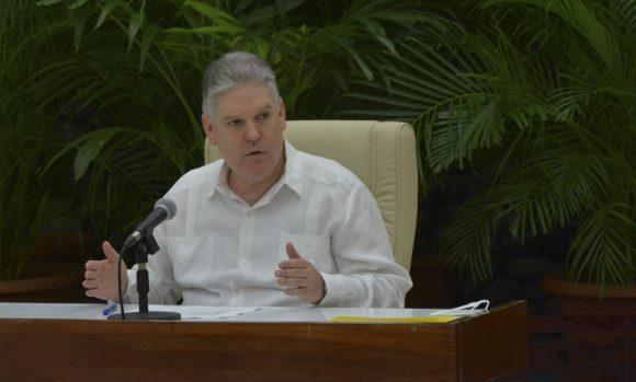 Ministro de Economía Alejandro Gil Fernández afirma que pese a tensa situación económica, Cuba no renuncia a su meta de crecer 6 por ciento en 2021