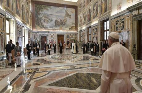 Subraya papa Francisco impacto económico y social de la pandemia