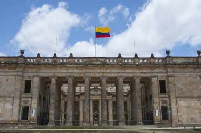 Rechazan en Colombia intimidación a senadores de la oposición
