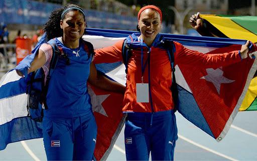 Discóbolas cubanas Yaimé Pérez y Denia Caballero