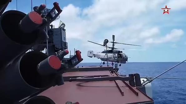 Realiza Rusia su más grande maniobra naval desde el final de la Guerra Fría