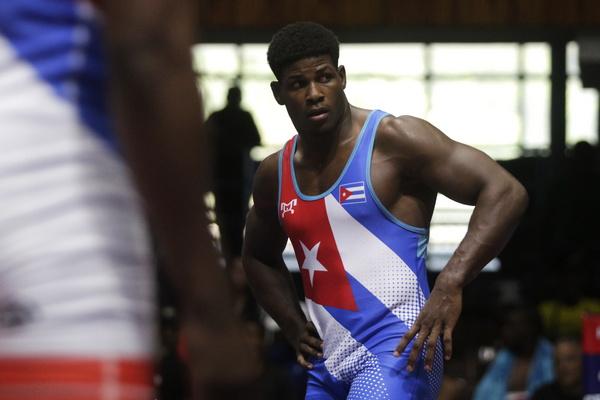 Silot de oro y 18 luchadores cubanos se clasifican a Cali 2021