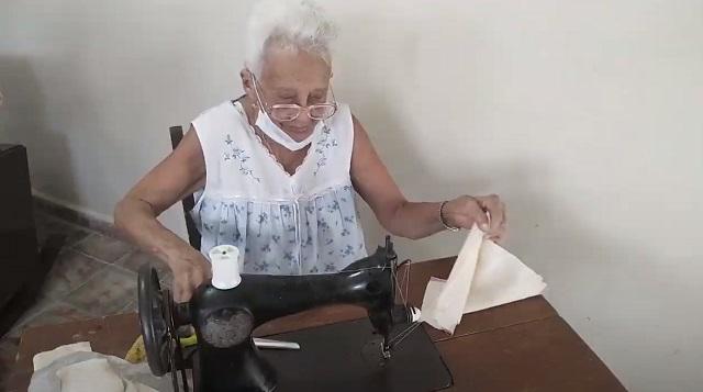 Juana, una activa centenaria guantanamera