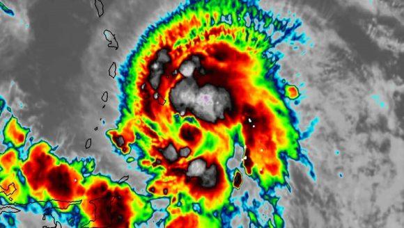 Tormenta tropical Elsa con poco cambio en las últimas horas