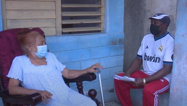 Alberto Romero Matos, especialista guantanamero en periodoncia que colabora en la pesquisa activa