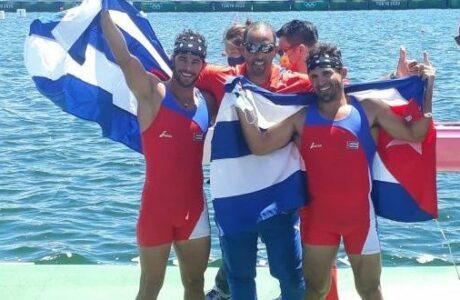 Serguey y Fernando Dayán sacan oro a fuerza de paletadas