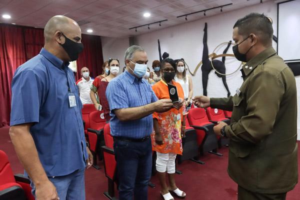 El Inder sigue ayudando a convertir las prisiones en escuelas