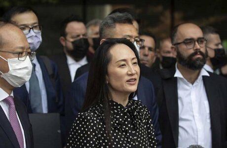 Regresa a China ejecutiva de Huawei detenida desde 2018 en Canadá