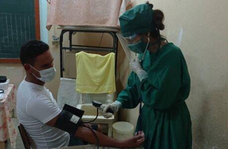 Analizan situación epidemiológica Caimanera En Directo
