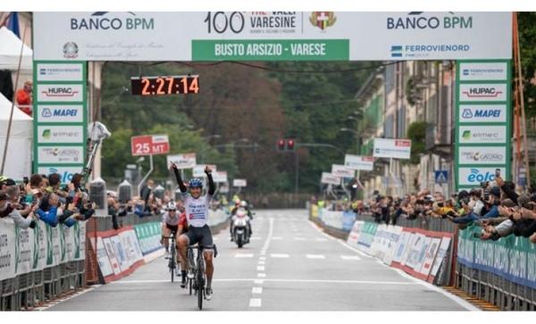 Arlenis sella triunfante su temporada ciclística 2021
