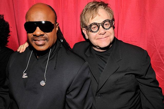 Elton John publica sencillo a dúo con Stevie Wonder