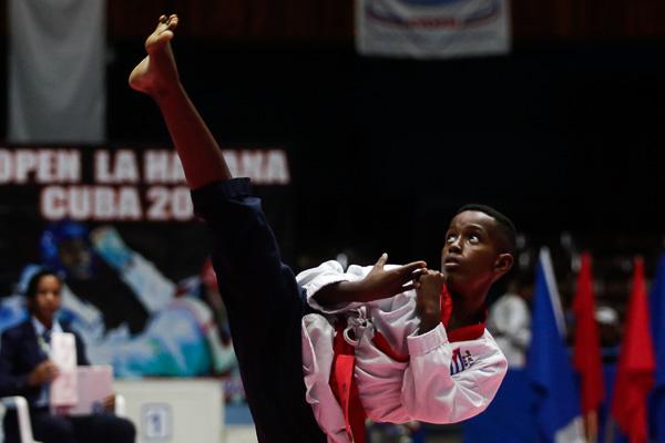 Taekwondocas en pugna por cupos a Panamericanos Júnior de Cali