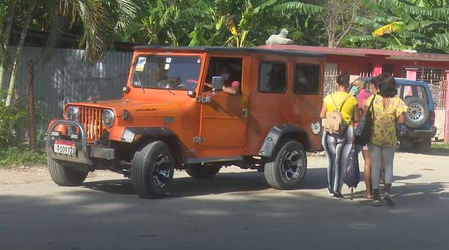 Municipio de El Salvador reabre transporte público privado y se alista para reanudar el estatal