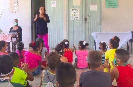 Centros educacionales de Imías abren sus puertas en el verano