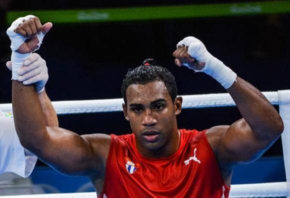 Boxeador guantanamero Arlen López aspira a retener la corona en Tokio