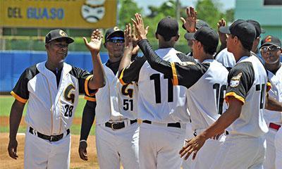 Conforman equipo de béisbol Guantánamo a la 56 Serie Nacional