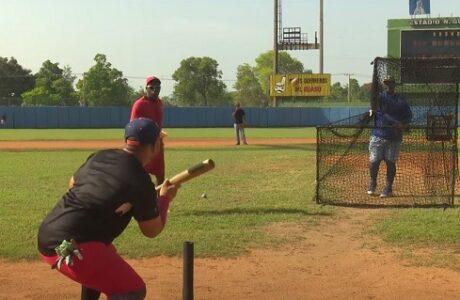 Entrenamiento de los Indios del Guaso para Serie Nacional de Béisbol