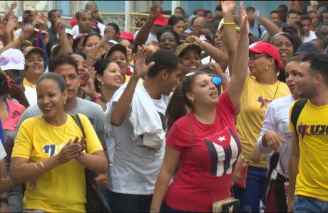 Felicita Díaz-Canel a los jóvenes cubanos en el Día Mundial de la Juventud.
