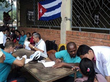 Cuba: Médicos cubanos atendieron más de mil víctimas de terremoto en Nepal