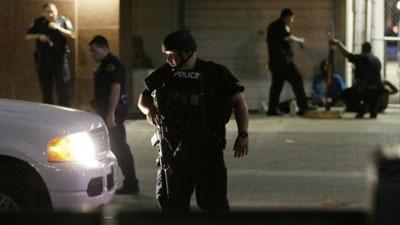 Cinco policías muertos y seis heridos en Texas