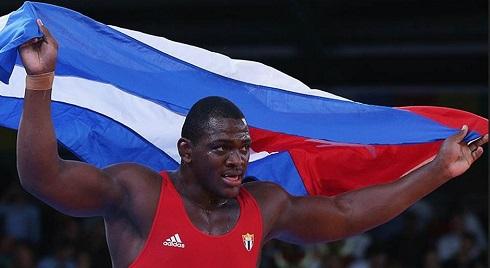 Mijaín López aportó hoy la segunda medalla de oro a Cuba, luego de vencer 6-0 en la final de los 130 kilogramos de la lucha grecorromamana al turco Riza Kayaalp.